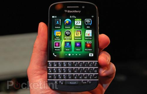 BlackBerry Q10 pictures and hands-on