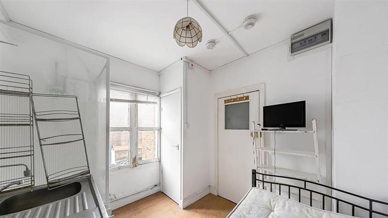 A very small studio flat for sale in Notting Hill London