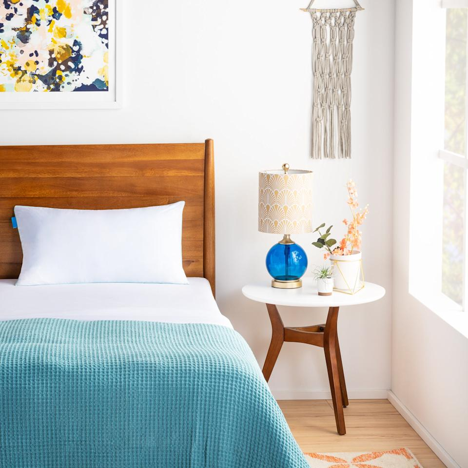 """<h3><a href=""""https://www.wayfair.com/bed-bath/pdp/alwyn-home-medium-memory-foam-cooling-bed-pillow-anew2303.html"""" rel=""""nofollow noopener"""" target=""""_blank"""" data-ylk=""""slk:Alwyn Home Memory Foam Cooling Pillow"""" class=""""link rapid-noclick-resp"""">Alwyn Home Memory Foam Cooling Pillow</a></h3><br>This pillow's shredded memory-foam filling and high customer ratings have consistently placed it high at the <a href=""""https://www.refinery29.com/en-us/2019/11/8877390/wayfair-deals-black-friday-sale-2019#slide-4"""" rel=""""nofollow noopener"""" target=""""_blank"""" data-ylk=""""slk:top of readers' carts"""" class=""""link rapid-noclick-resp"""">top of readers' carts</a> — and now we're throwing a 74%-off-price into the mix. <br><br><strong>Alwyn Home</strong> Medium Memory Foam Cooling Bed Pillow, $, available at <a href=""""https://www.wayfair.com/bed-bath/pdp/alwyn-home-medium-memory-foam-cooling-bed-pillow-anew2303.html"""" rel=""""nofollow noopener"""" target=""""_blank"""" data-ylk=""""slk:Wayfair"""" class=""""link rapid-noclick-resp"""">Wayfair</a>"""