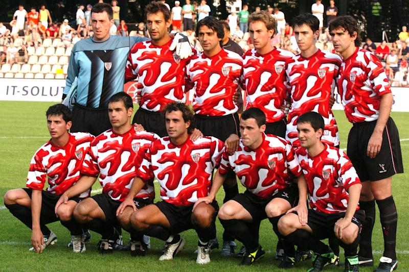 Athletic Bilbao pose for a team group before the start of the match (Photo by John Walton/EMPICS via Getty Images)