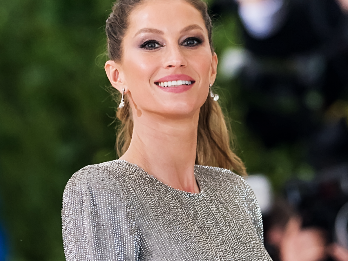 d29348cc4da This Is Exactly What It Takes For Gisele Bündchen To Look Like Gisele  Bündchen