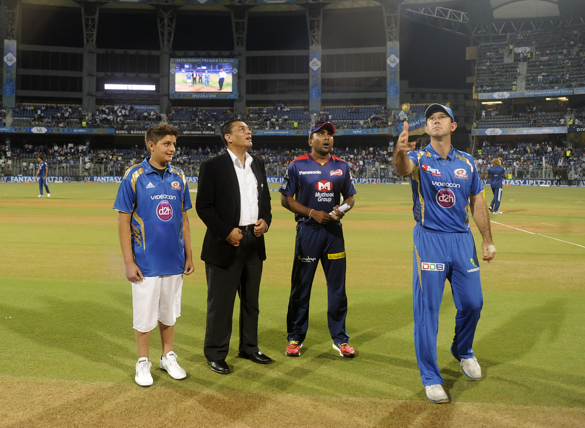 Ricky Ponting captain of Mumbai Indians with Mahela Jayawardene captain of Delhi Daredevils during the toss before the start of match 10 of the Pepsi Indian Premier League ( IPL) 2013  between The Mumbai Indians and the Delhi Daredevils held at the Wankhede Stadium in Mumbai on 9th April 2013 ..Photo by Pal Pillai-IPL-SPORTZPICS ..Use of this image is subject to the terms and conditions as outlined by the BCCI. These terms can be found by following this link:..https://ec.yimg.com/ec?url=http%3a%2f%2fwww.sportzpics.co.za%2fimage%2fI0000SoRagM2cIEc&t=1500627081&sig=GFtlbltCv5f7E9_D1OL7aw--~C