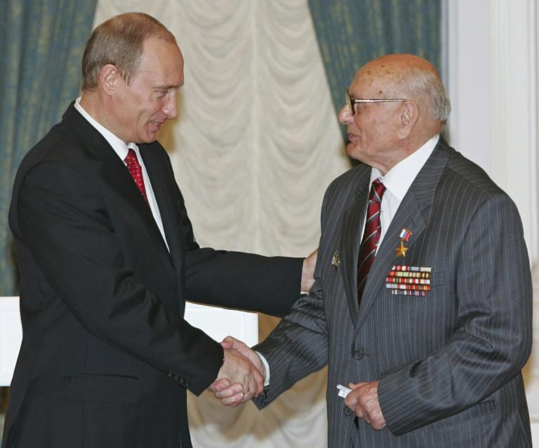 Alexei Botyan, who has died aged 103, was awarded a Hero of Russia Star award by Vladimir Putin in 2007