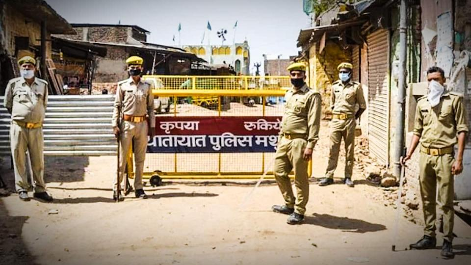 Sunday lockdown in UP; fine for not wearing masks increased