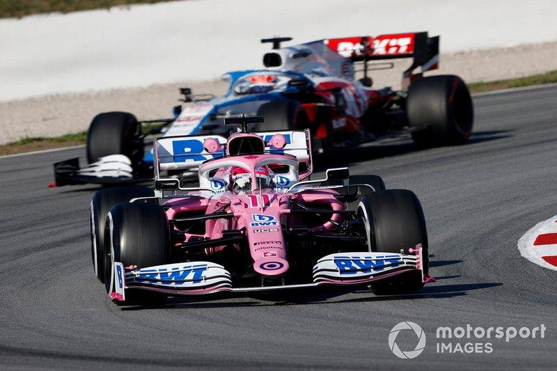 """Sergio Perez, Racing Point RP20 and George Russell, Williams FW43 <span class=""""copyright"""">Andy Hone / Motorsport Images</span>"""