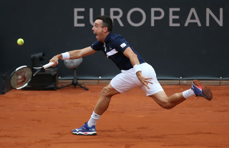 Bautista Agut overcomes early jitters to beat Gasquet