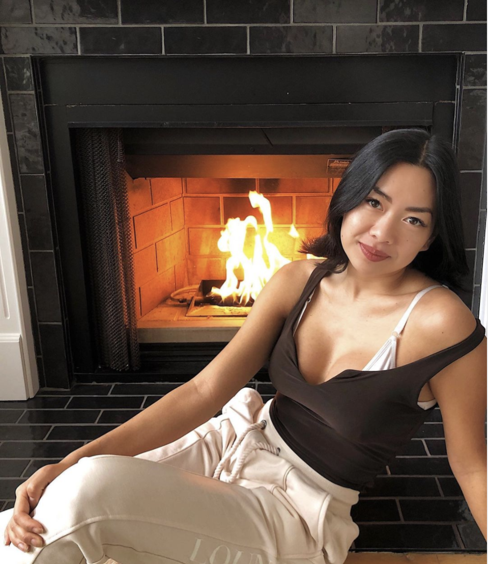 """<p>Kim comes fashionably late, according to Reality Steve, after the first night limo arrivals. She's a travel blogger based in California. She calls herself a """"professional dumpling"""" on her Insta bio.</p><p><strong>Age: 28</strong></p><p><strong>Hometown: Cypress, CA</strong></p><p><strong>I</strong><strong>n</strong><strong>stagram: <a href=""""https://www.instagram.com/kimawaywithme/"""" rel=""""nofollow noopener"""" target=""""_blank"""" data-ylk=""""slk:@kimawaywithme"""" class=""""link rapid-noclick-resp"""">@kimawaywithme</a></strong></p>"""