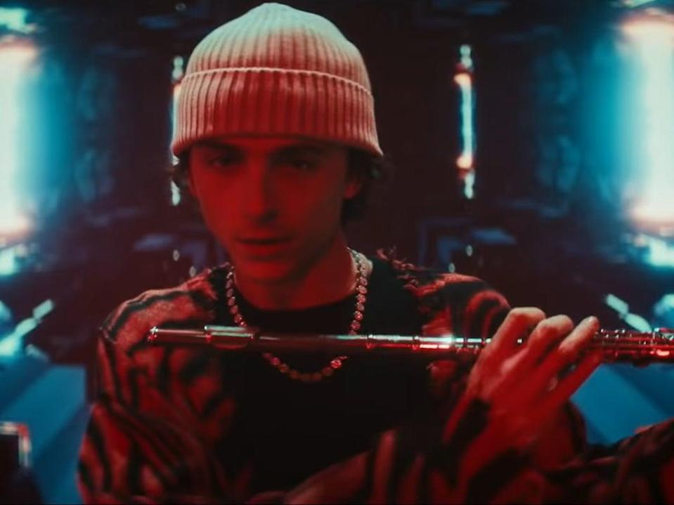 Timothée Chalamet makes 'hilarious' SNL cameo playing a flute with Kid Cudi (NBC)