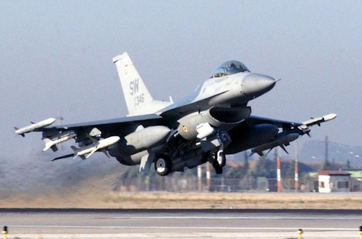 A picture from the US air force website shows a F-16CJ Fighting Falcon taking off from Incirlik Air Base in Turkey on February 2, 2012, possibly en route to military operations in Syria (AFP Photo/Jason Gamble)