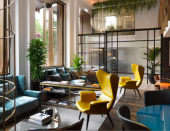 """<p>In the heart of Mayfair, this luxurious hotel provides a bed for humans and dogs alike - ensuring that both leave feeling pampered and cared for. Small, well-behaved dogs are welcome at <a href=""""https://go.redirectingat.com?id=127X1599956&url=https%3A%2F%2Fwww.booking.com%2Fhotel%2Fgb%2Fathenaeum.en-gb.html%3Faid%3D2070929%26label%3Ddog-friendly-london-hotels&sref=https%3A%2F%2Fwww.redonline.co.uk%2Ftravel%2Finspiration%2Fg35033360%2Fdog-friendly-hotels-london%2F"""" rel=""""nofollow noopener"""" target=""""_blank"""" data-ylk=""""slk:The Athenaeum"""" class=""""link rapid-noclick-resp"""">The Athenaeum</a>, and you'll find dog sitting, walking and turndown services offered just for pets.</p><p>With its location opposite Green Park, morning walkies are hassle-free, while the rooms and suites back at the chic hotel cater for every whim and wish. </p><p><a class=""""link rapid-noclick-resp"""" href=""""https://go.redirectingat.com?id=127X1599956&url=https%3A%2F%2Fwww.booking.com%2Fhotel%2Fgb%2Fathenaeum.en-gb.html%3Faid%3D2070929%26label%3Ddog-friendly-london-hotels&sref=https%3A%2F%2Fwww.redonline.co.uk%2Ftravel%2Finspiration%2Fg35033360%2Fdog-friendly-hotels-london%2F"""" rel=""""nofollow noopener"""" target=""""_blank"""" data-ylk=""""slk:CHECK AVAILABILITY"""">CHECK AVAILABILITY</a></p>"""