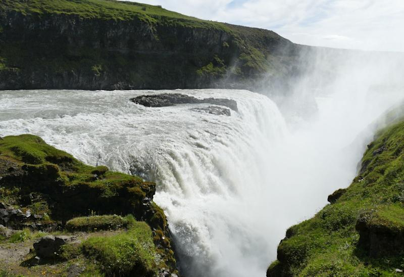 <p>Things are good in Iceland. The world's most peaceful country is the ninth happiest and has the sixth highest life expectancy — 82.7 years for both sexes. This is attributed to its Nordic social welfare system that provides universal health care. </p>