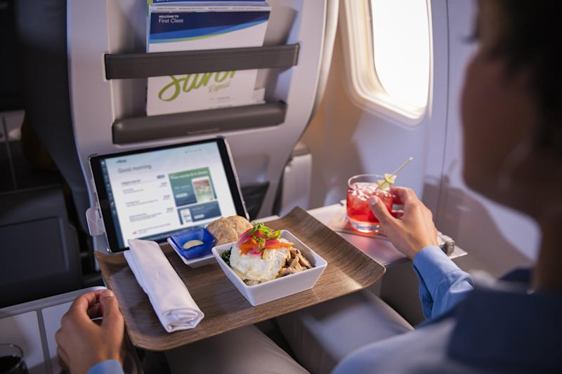Alaska Airlines revamped its food and beverage offerings to elevate the inflight experience; rotating seasonal menus offer guests fresh, locally-sourced ingredients, as well as more feel-good options from beloved West Coast brands like Luke's Organic.