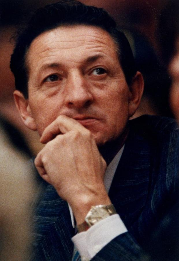 Walter Gretzky, seen here watching a Leafs-Kings game in 1988, died last Thursday at age 82. (Hans Deryk/The Canadian Press - image credit)