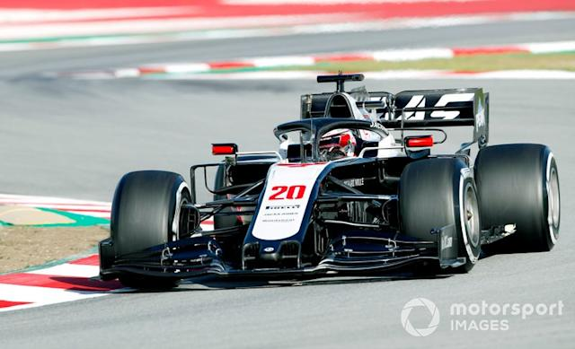 """19º Kevin Magnussen, Haas F1 Team VF-20: 1:17.495 (con neumáticos C4) <span class=""""copyright"""">Zak Mauger / Motorsport Images</span>"""