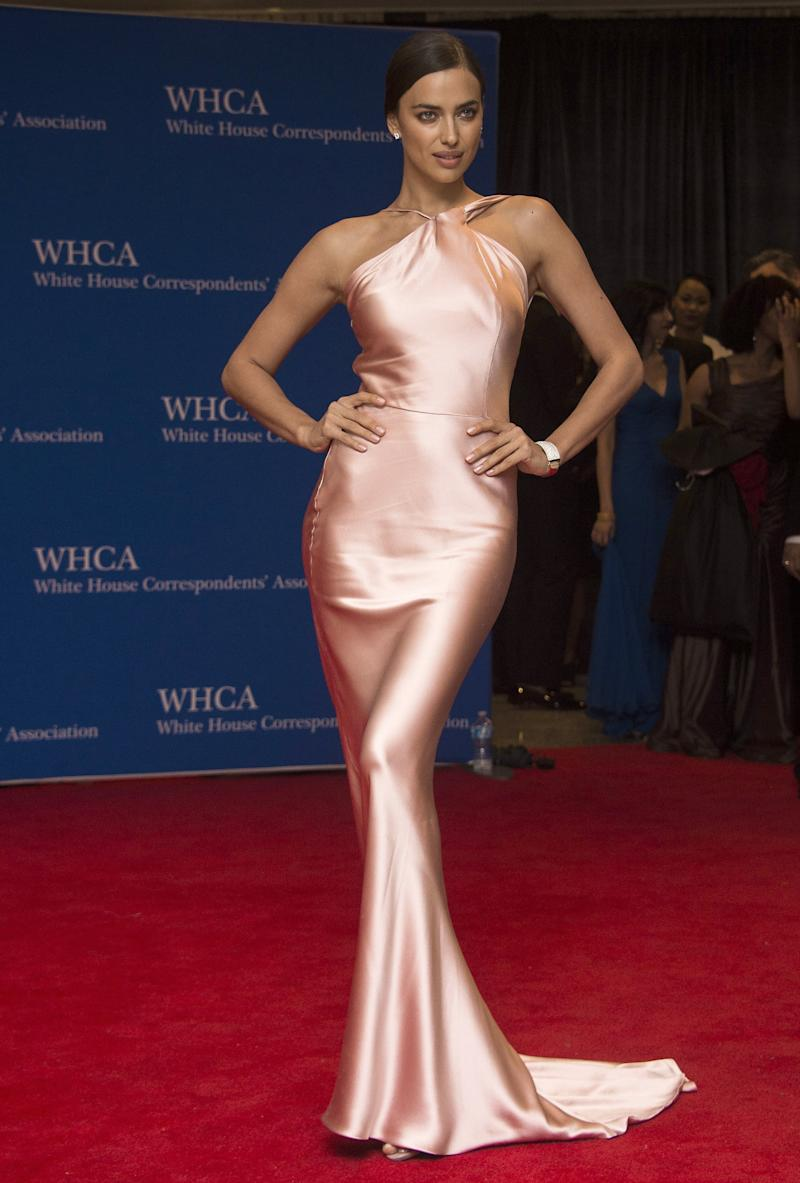 Shayk arrived at the 2015 White House Correspondents' Association annual dinner in a pale pink silk gown.