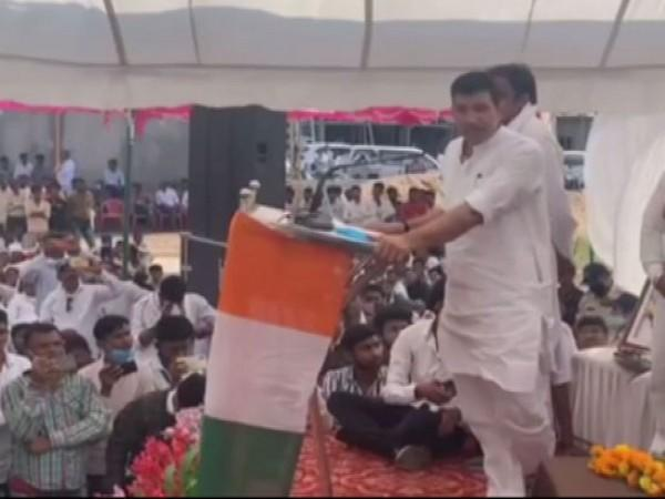 Congress MLA Jitu Patwari addressing an election meeting in Khandwa on Saturday. (Photo/ANI)