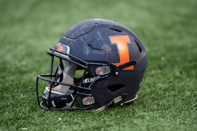 An Illinois Fighting Illini helmet during a game between the Illinois Fighting Illini and the Northwestern Wildcats on Nov. 24, 2018. (Getty)