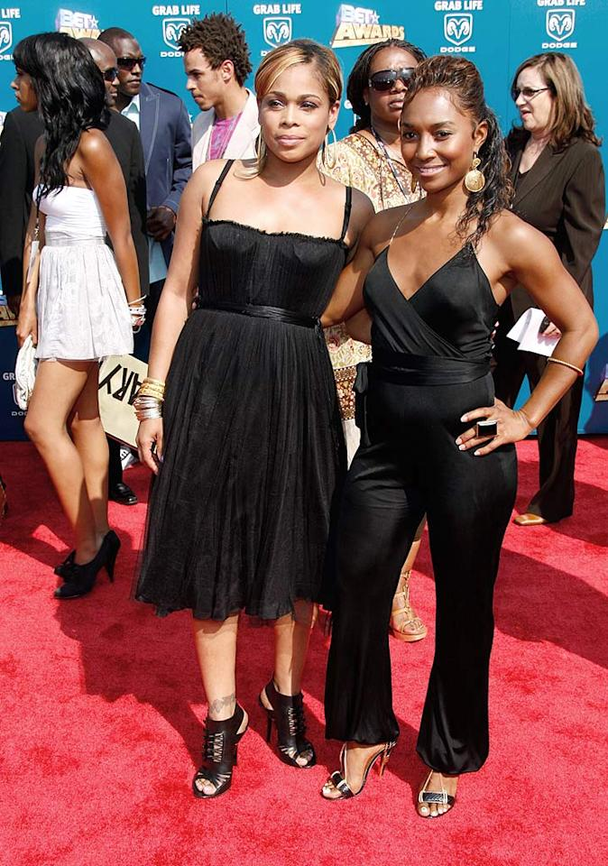 """TLC's Tionne """"T-Boz"""" Watkins and her BFF Rozonda """"Chilli"""" Thomas kept it simple in sophisticated black ensembles. Frazer Harrison/<a href=""""http://www.gettyimages.com/"""" target=""""new"""">GettyImages.com</a> - June 24, 2008"""