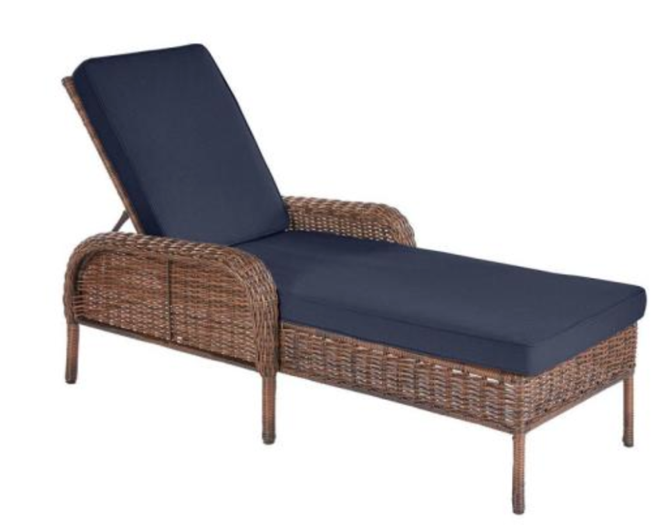 It's just waiting for you to kick back and relax. (Photo: The Home Depot)
