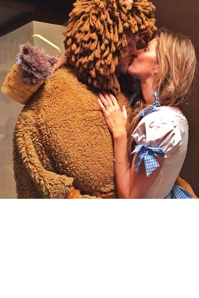 <p>Gisele as Dorothy from <em>The Wizard of Oz</em> and Tom Brady as the Cowardly Lion.</p>