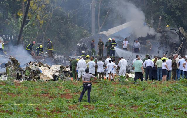 "<p>Picture taken at the scene after a Cubana de Aviacion aircraft crashed after taking off from Havana's Jose Marti airport on May 18, 2018. – A Cuban state airways passenger plane with 104 passengers on board crashed on shortly after taking off from Havana's airport, state media reported. The Boeing 737 operated by Cubana de Aviacion crashed ""near the international airport,"" state agency Prensa Latina reported. Airport sources said the jetliner was heading from the capital to the eastern city of Holguin. (Photo: Adalberto Roque/AFP/Getty Images) </p>"