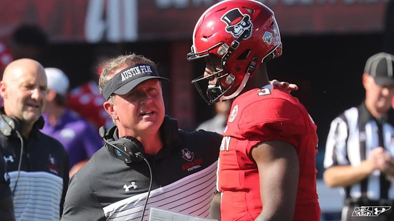 Surprise at Austin Peay: Hudspeth steps down