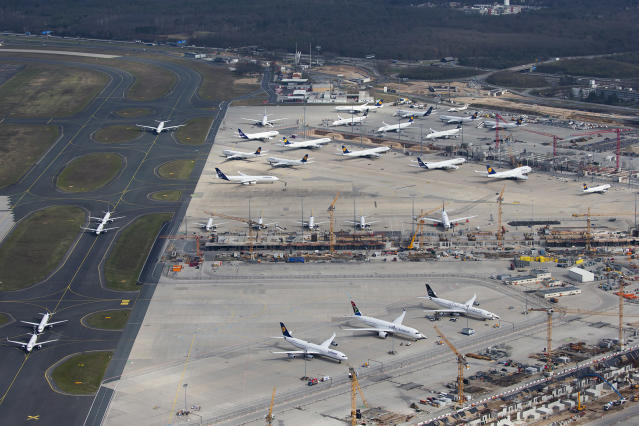18 March 2020, Hessen, Frankfurt/Main: Lufthansa planes parked because they are not in use at the moment, due to drastic cuts in flight schedules. Photo: Vasco Garcia/picture alliance via Getty Images