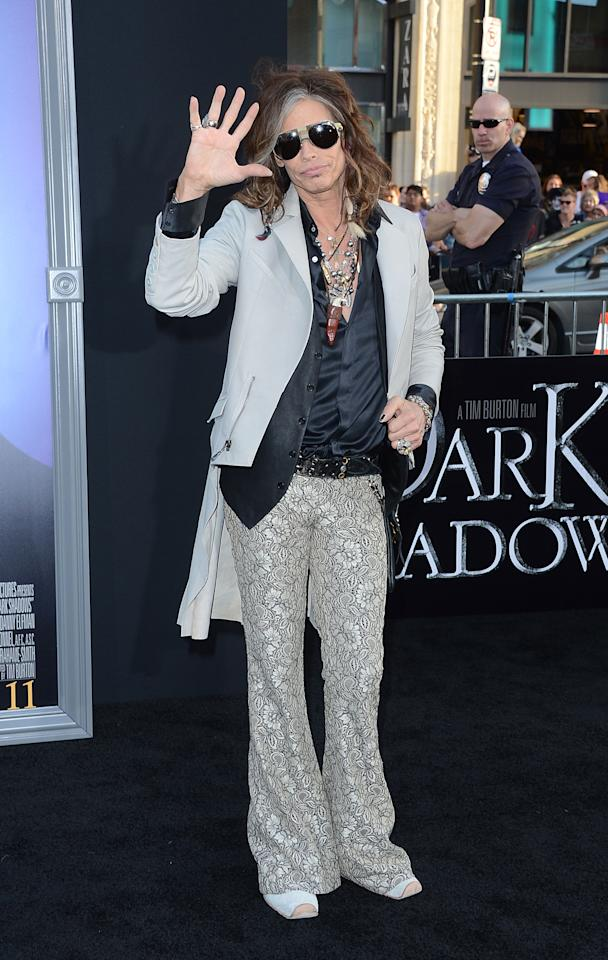 HOLLYWOOD, CA - MAY 07:  Singer Steven Tyler arrives at the premiere of Warner Bros. Pictures' 'Dark Shadows' at Grauman's Chinese Theatre on May 7, 2012 in Hollywood, California.  (Photo by Jason Merritt/Getty Images)