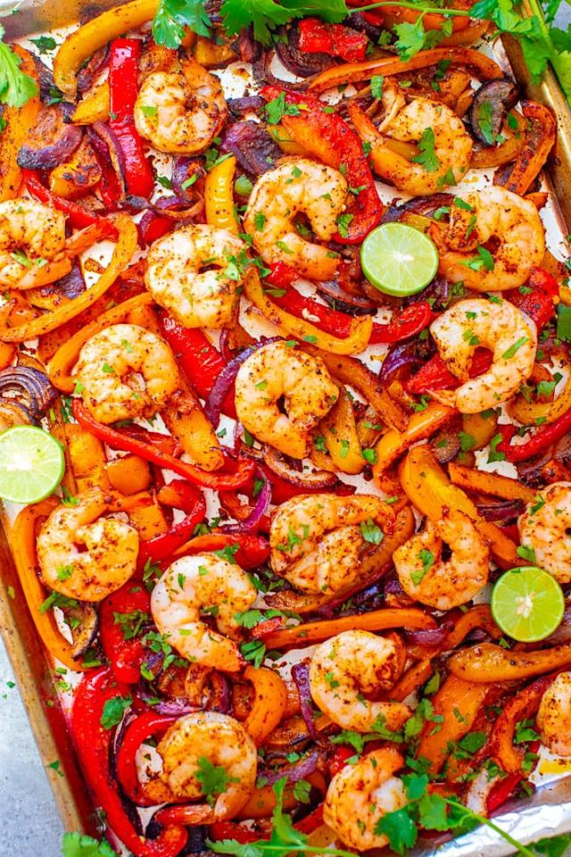 """<p> Plump, juicy, and tender shrimp that's ready in 25 minutes? That's what these <a href=""""http://www.averiecooks.com/sheet-pan-shrimp-fajitas/"""" target=""""_blank"""" class=""""ga-track"""" data-ga-category=""""Related"""" data-ga-label=""""http://www.averiecooks.com/sheet-pan-shrimp-fajitas/"""" data-ga-action=""""In-Line Links"""">shrimp fajitas</a> are all about! </p>"""