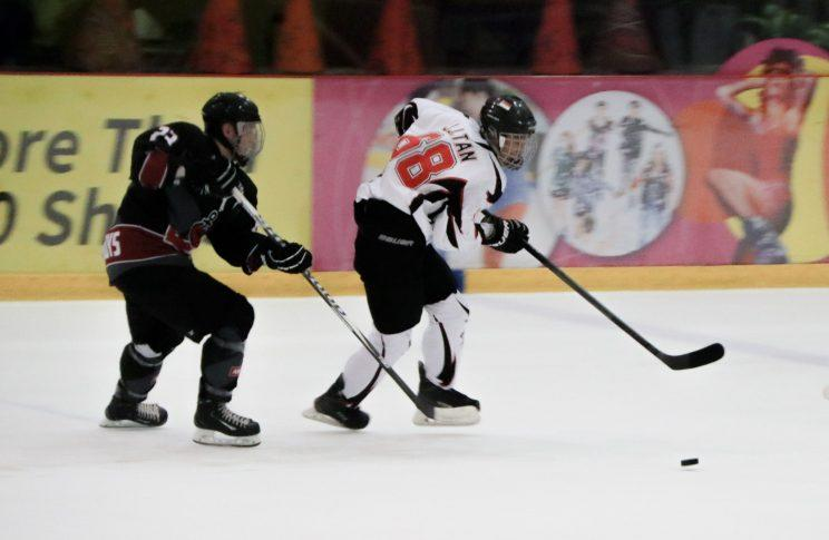 The Singapore ice hockey national team see 2017 as their best chance to grow the sport locally. (Photo: Nigel Chin/Yahoo Singapore)