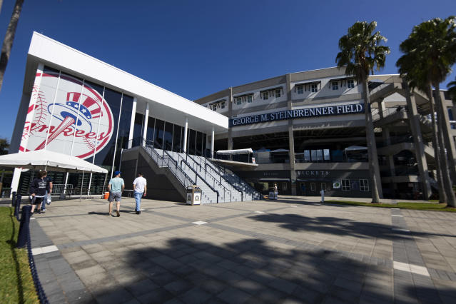 New York Yankees players unanimously vote to continue workouts despite MLB, MLBPA advisory to leave camp amid coronavirus concerns. (Photo by Carmen Mandato/Getty Images)
