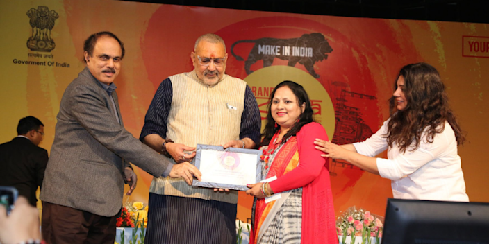 Union Minister Giriraj Singh (second from left) with Anita Gupta (second from right).