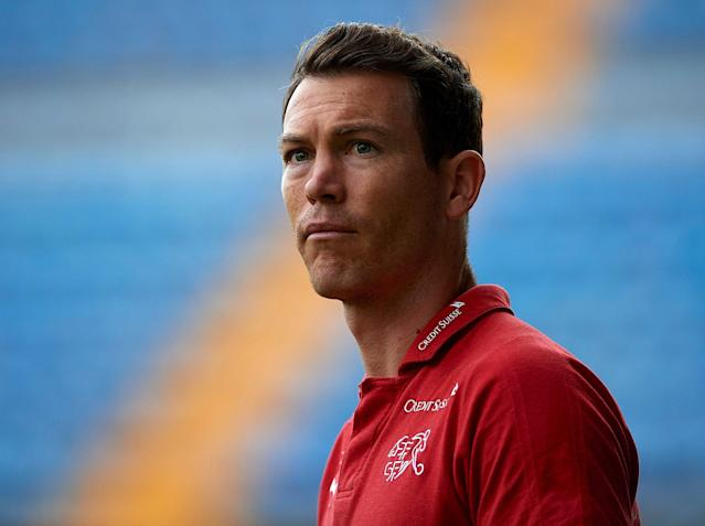 Arsenal transfer news: Stephan Lichtsteiner confirms talks over Emirates move as Marouane Fellaini is linked