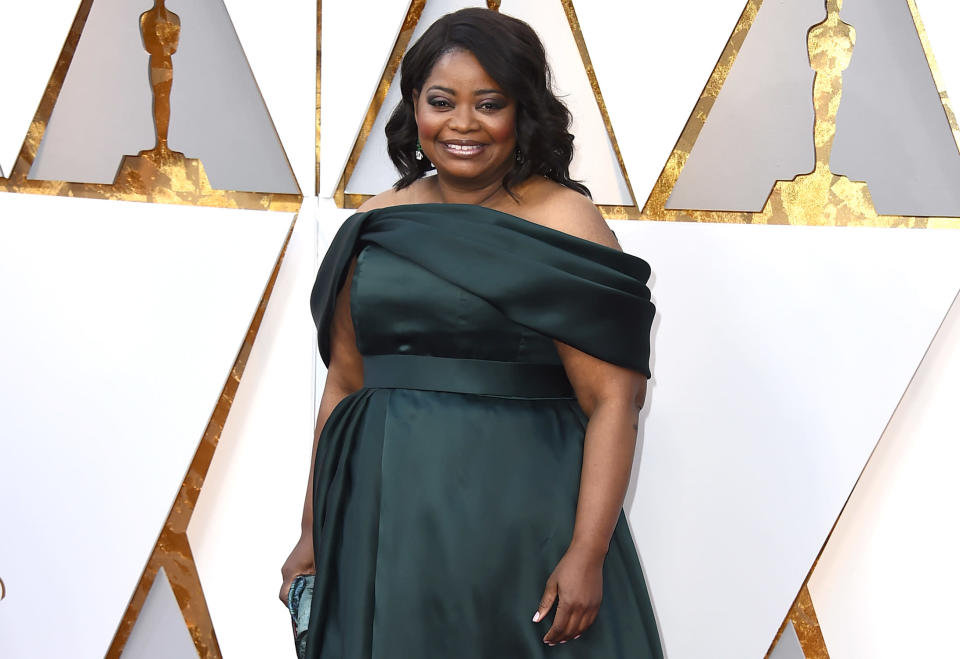 Octavia Spencer arrives at the Oscars. (Photo: Jordan Strauss/Invision/AP)