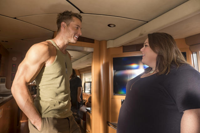 <p>Justin Hartley as Kevin and Chrissy Metz as Kate in NBC's <i>This Is Us</i>.<br>(Photo: Ron Batzdorff/NBC) </p>