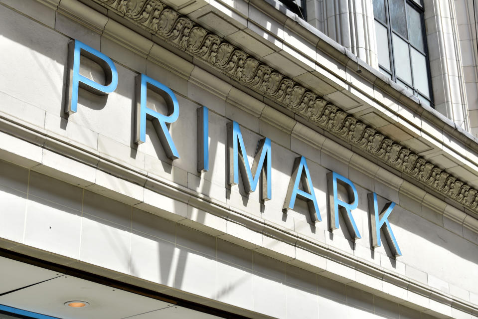 LONDON, UNITED KINGDOM - 2020/07/13: Primark logo seen at one of their stores. Primark will not take advantage of a £30m bonus offered by the government for bringing its staff back from furlough, the retailer has announced. The budget retailer furloughed 30,000 members of staff across the UK in March due to the coronavirus crisis. (Photo by Dave Rushen/SOPA Images/LightRocket via Getty Images)