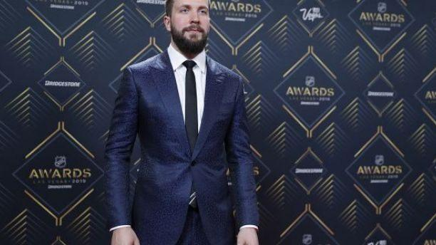Tampa Bay's Nikita Kucherov wins Hart, Lindsay at NHL Awards