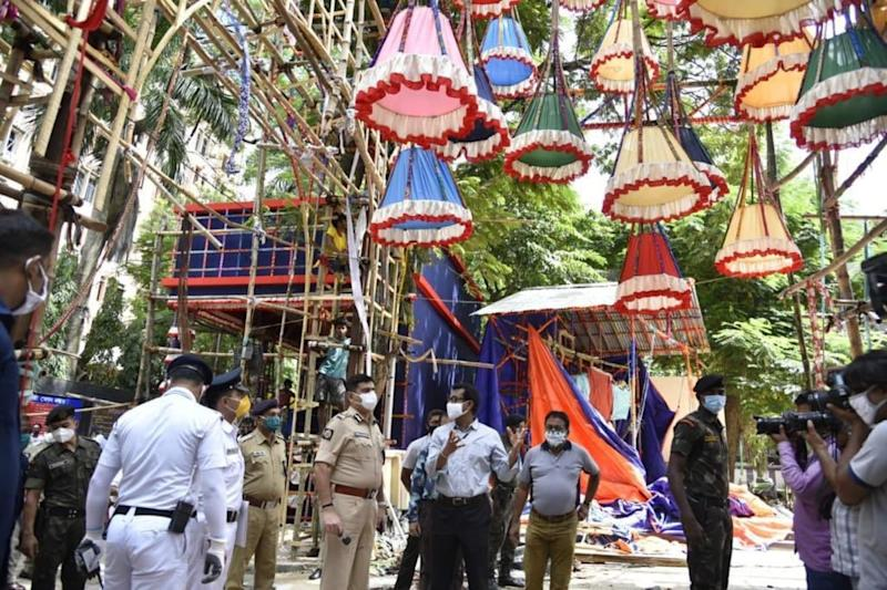 Police, Durga Puja Committees, Public Must Join Forces to Prevent Covid-19 Spread During Festival: Kolkata Top Cop