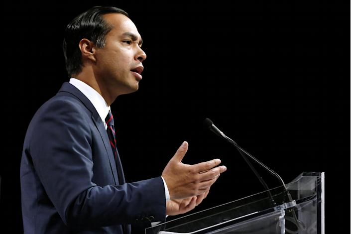 FILE PHOTO: Julian Castro, former United States Secretary of Housing and Urban Development, speaks at the Netroots Nation annual conference for political progressives in New Orleans, Louisiana, U.S. August 4, 2018. REUTERS/Jonathan Bachman/File Photo