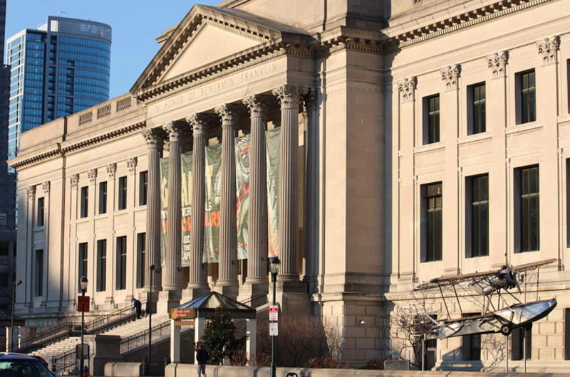 Partygoer steals thumb from Terracotta statue at US museum