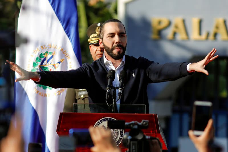 Salvadoran president sends more soldiers to fight crime after standoff with lawmakers