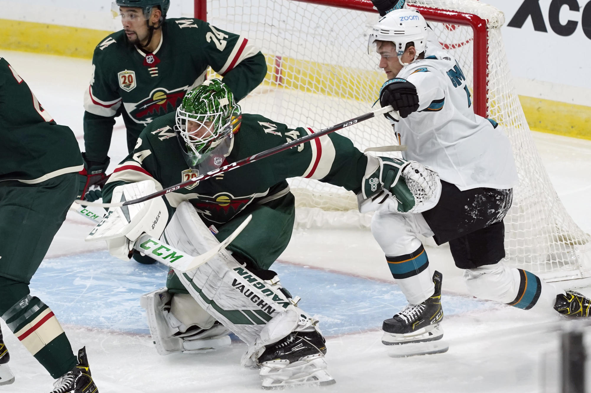 news.yahoo.com: The Latest: Sharks to open home schedule hosting in Arizona