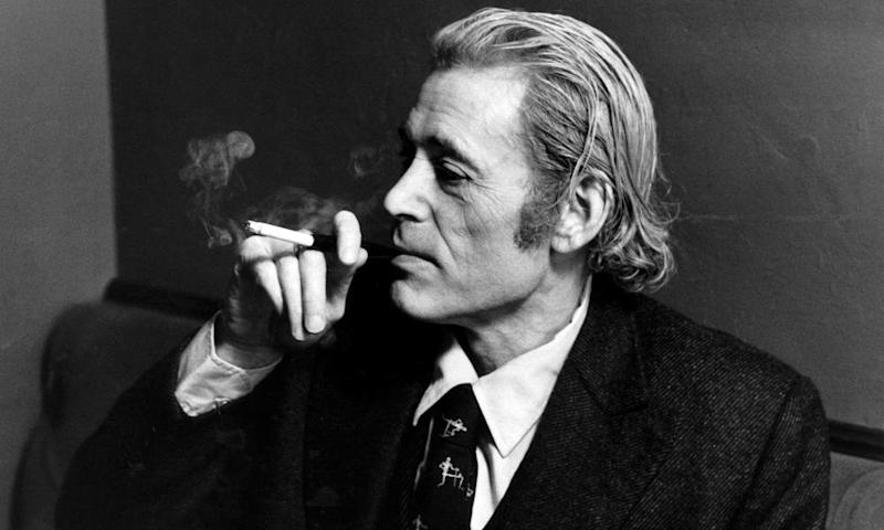 Head shot of Irish actor Peter O'Toole, smoking, in November 1982
