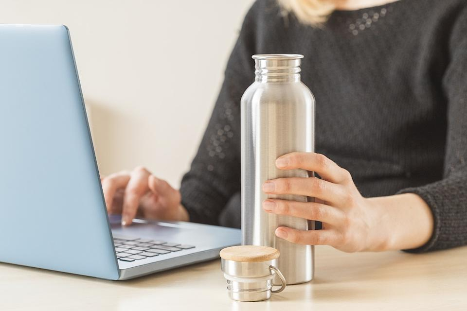 Drink and eat in reusable containers