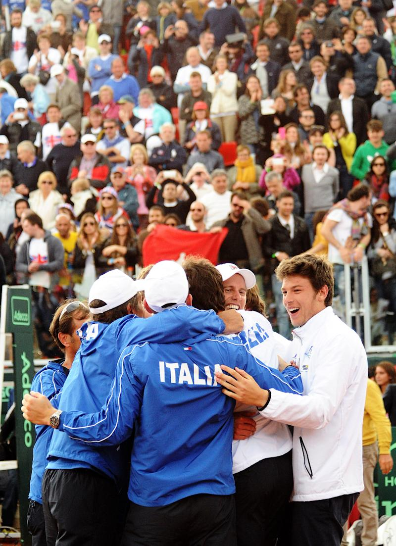 Italy beats Britain 3-2 to reach Davis Cup semis