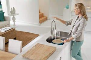 Moen Uncovers Consumer Cooking Activities -- And the Differences Between Men and Women in the Kitchen