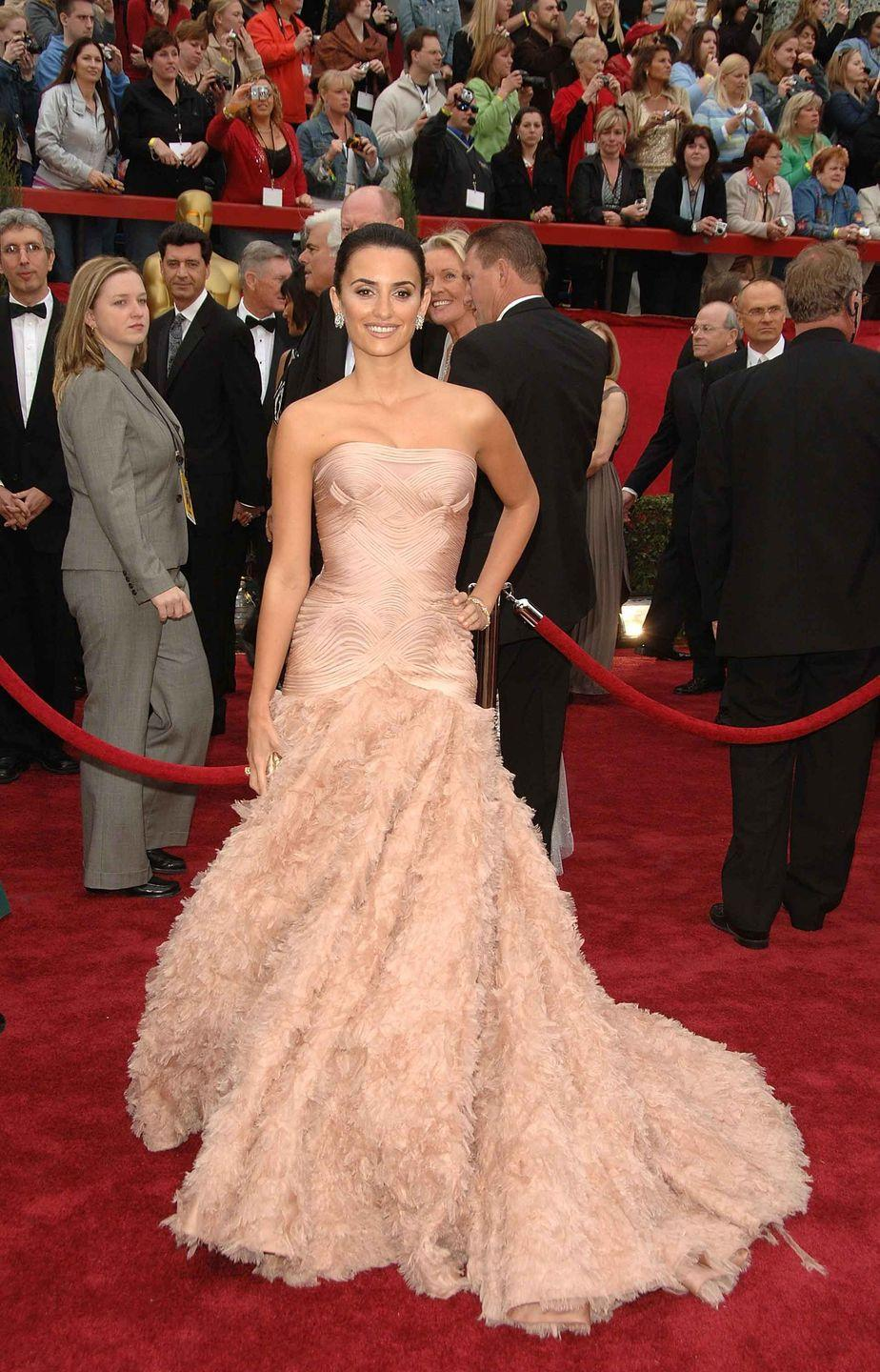 <p>Penelope Cruz in a rose Atelier Versace ball gown.</p>