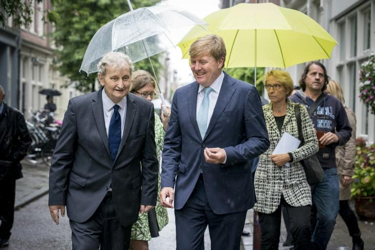 Dutch King Willem-Alexander (R) with mayor Eberhard van der Laan in Amsterdam. Van der Laan revealed earlier this year that he had been diagnosed with lung cancer