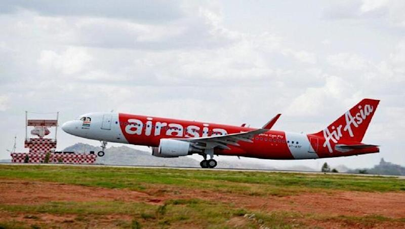Gaurav Taneja-AirAsia India Row: DGCA Issues Show Cause Notice to Carrier After Sacked Pilot Levels 'Safety Lapse' Allegations on HisYouTube Channel Flying Beast