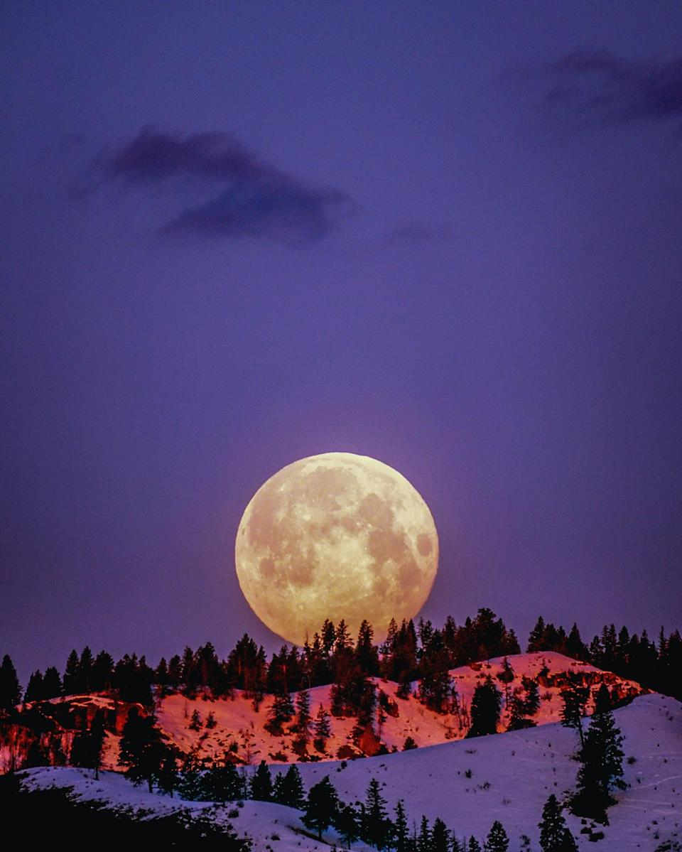 """<p>We call February's full moon a <a href=""""http://www.almanac.com/full-moon-names"""" class=""""link rapid-noclick-resp"""" rel=""""nofollow noopener"""" target=""""_blank"""" data-ylk=""""slk:snow moon"""">snow moon</a> for a pretty simple reason - there's typically lots of snowfall during that month! You'll be able to catch the snow moon on Feb. 27.</p>"""